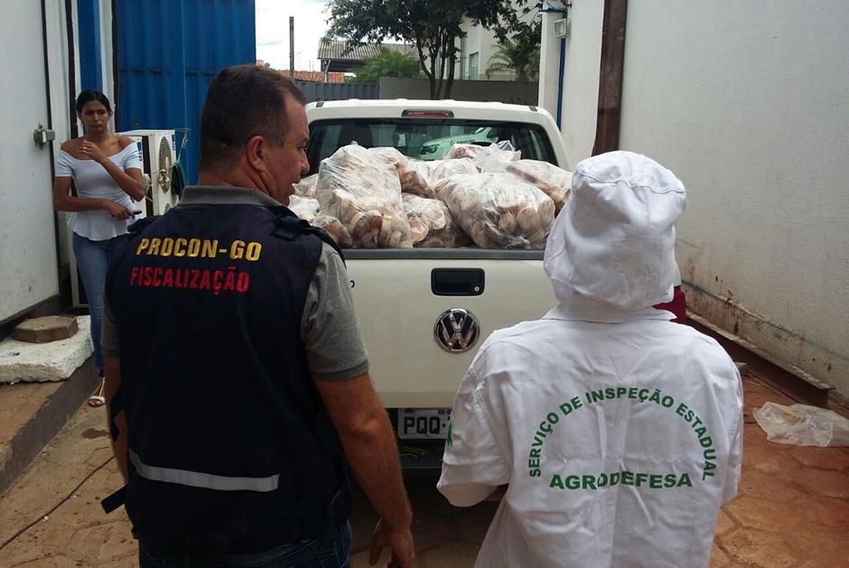 Procon apreende 4,6 toneladas de pescado em distribuidora em Goiânia
