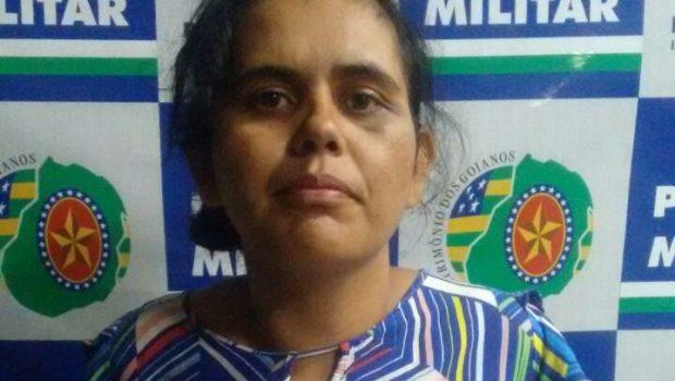 Acusada de latrocínio é flagrada pela polícia vendendo drogas em Goiânia