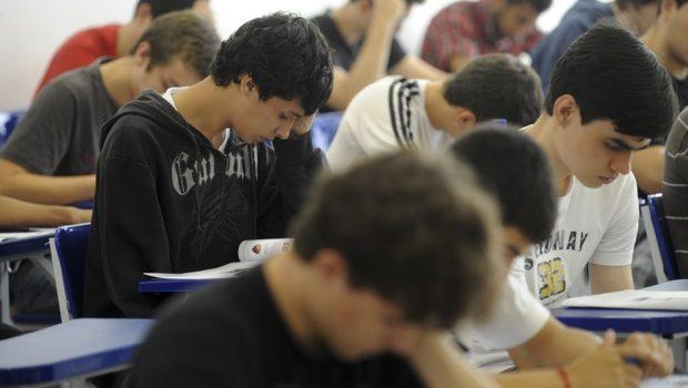 Estudantes, professores e entidades querem participar da reforma do ensino médio