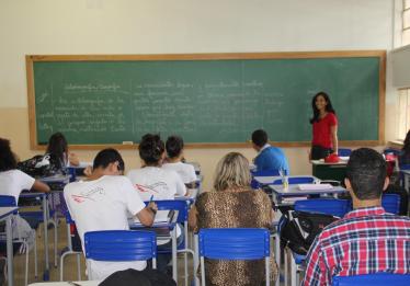 Em Goiás, 47 escolas estaduais deixarão de atender em tempo integral