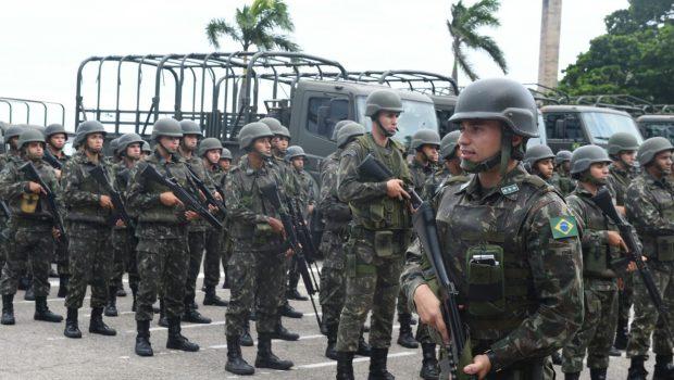 Forças Armadas deixam ruas do Rio, mas permanecem no Espírito Santo