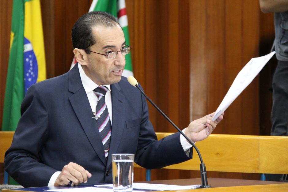 Jorge Kajuru denuncia Iris Rezende por improbidade administrativa por nomeações da Comurg