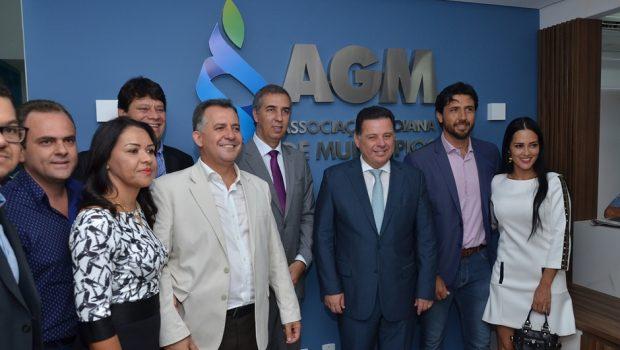 Na posse da AGM, Marconi inicia parceria com os novos prefeitos