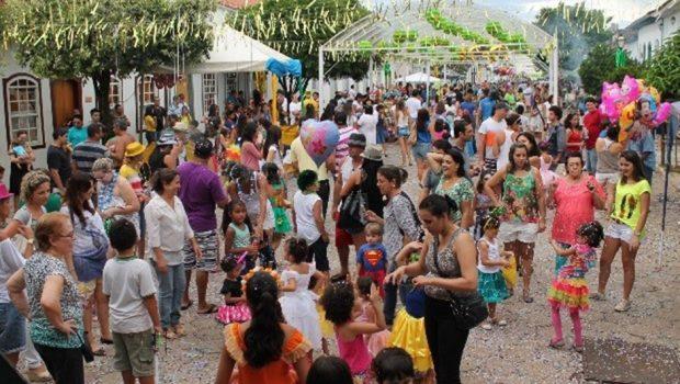 Carnaval: Cidades goianas ficam entre corte de custos e grandes investimentos