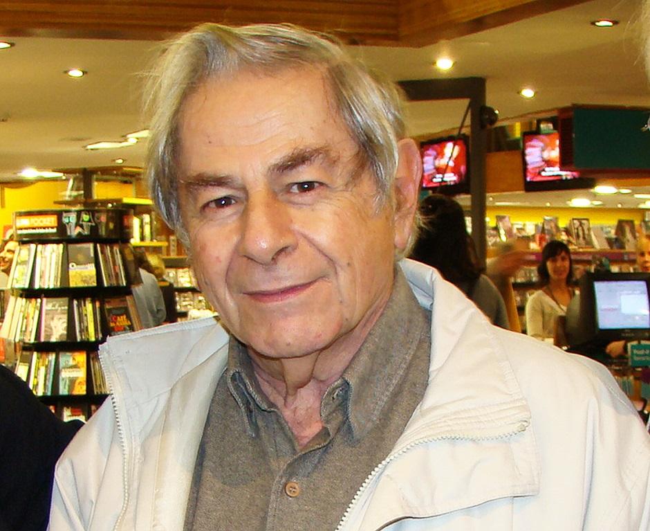 Ao receber Prêmio Camões, Raduan Nassar faz duras críticas ao governo