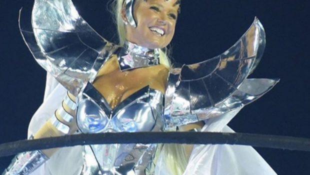 Destaque da Grande Rio, Xuxa é ignorada pela Globo durante transmissão