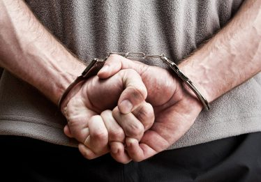 Homem que matou irmão com tiro no tórax é condenado a 9 anos de prisão