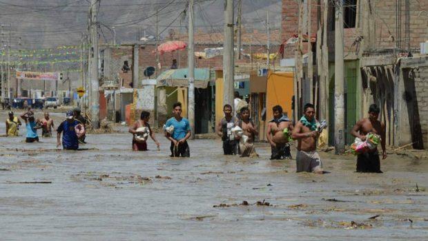 Peru já tem mais de 120 mil afetados por inundações, além de 90 mortos