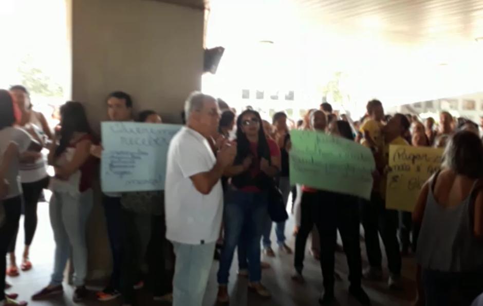 Funcionários de creches filantrópicas reivindicam salários atrasados
