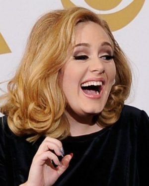 Estudo mostra que ouvir Adele e Enya potencializa tratamento contra hipertensão