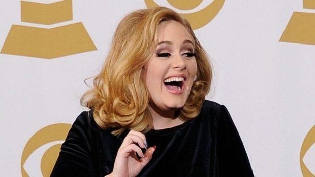 Adele assume que tem conta secreta no Twitter