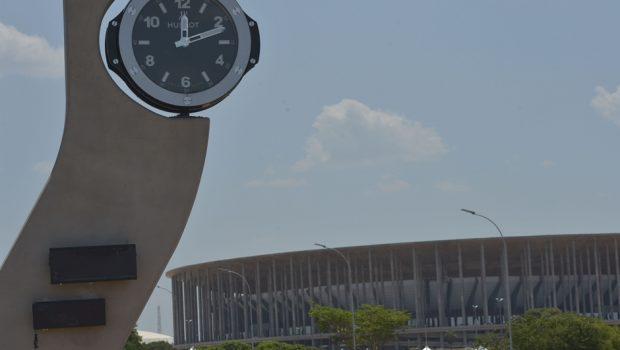Horário de verão gerou economia de R$ 159 milhões com redução do uso de térmicas