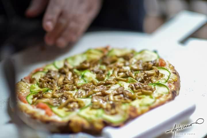 Artesano Pizzas e Pesto na Vila Cultural Cora Coralina