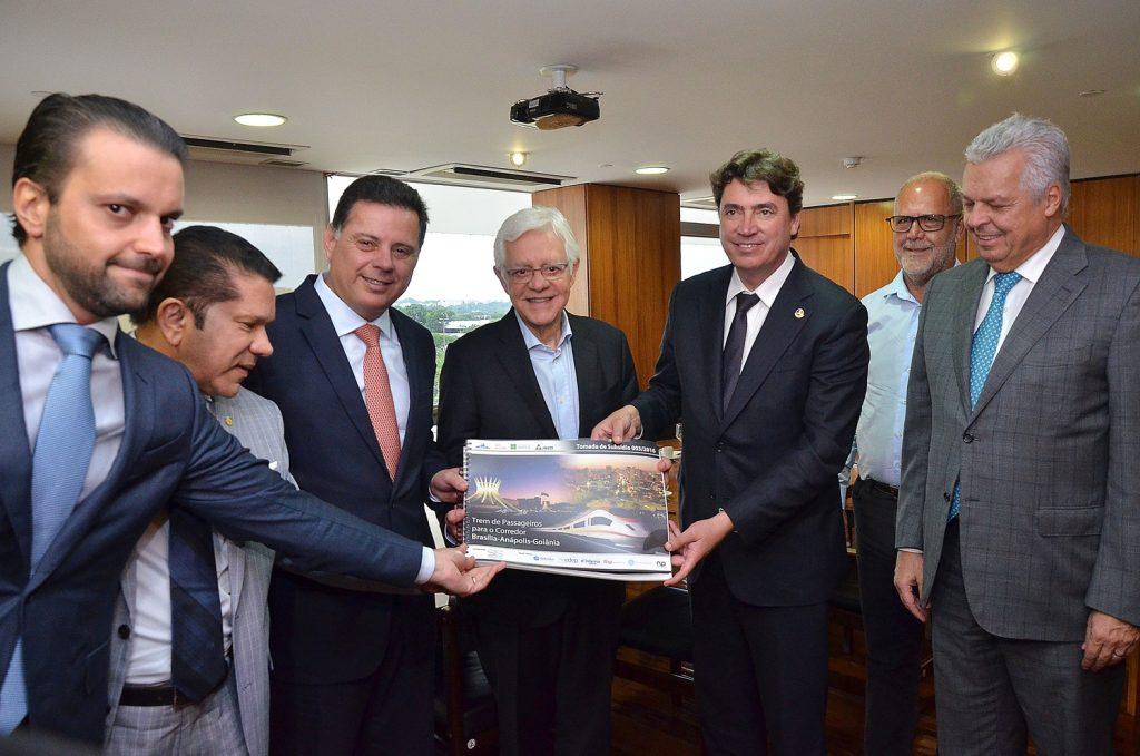 Governo Temer pede a Marconi que coordene projeto do trem Goiânia-Brasília