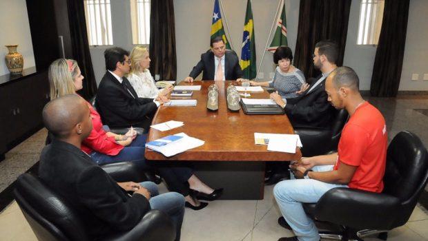 Marconi anuncia política habitacional para beneficiar moradores de rua