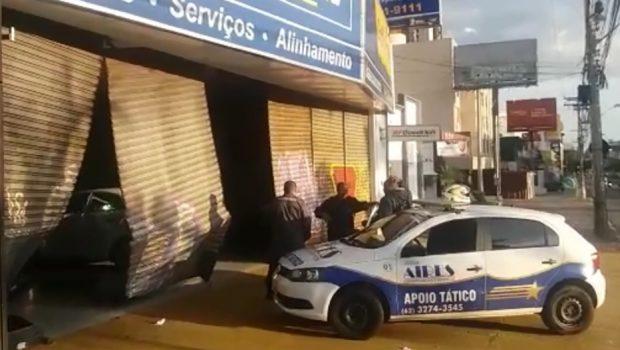Motorista embriagado invade loja de pneus na Avenida 85, no Setor Bueno