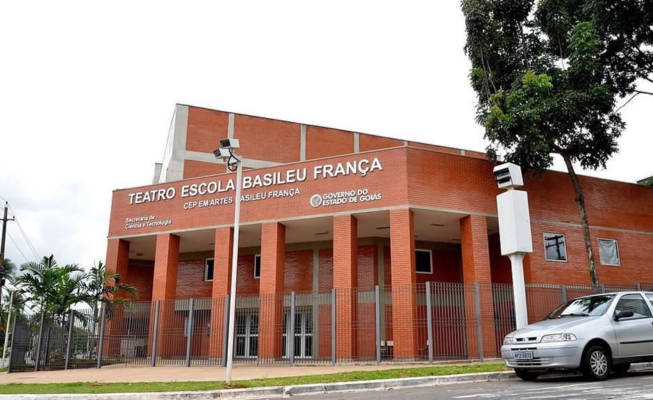Basileu França tem atividades suspensas a partir desta sexta