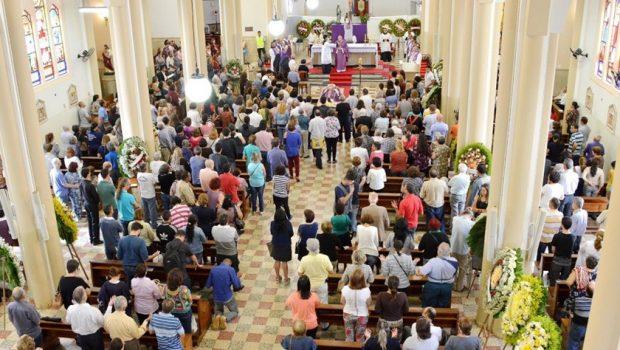 Arquidiocese e fiéis se despedem de Dom Antonio