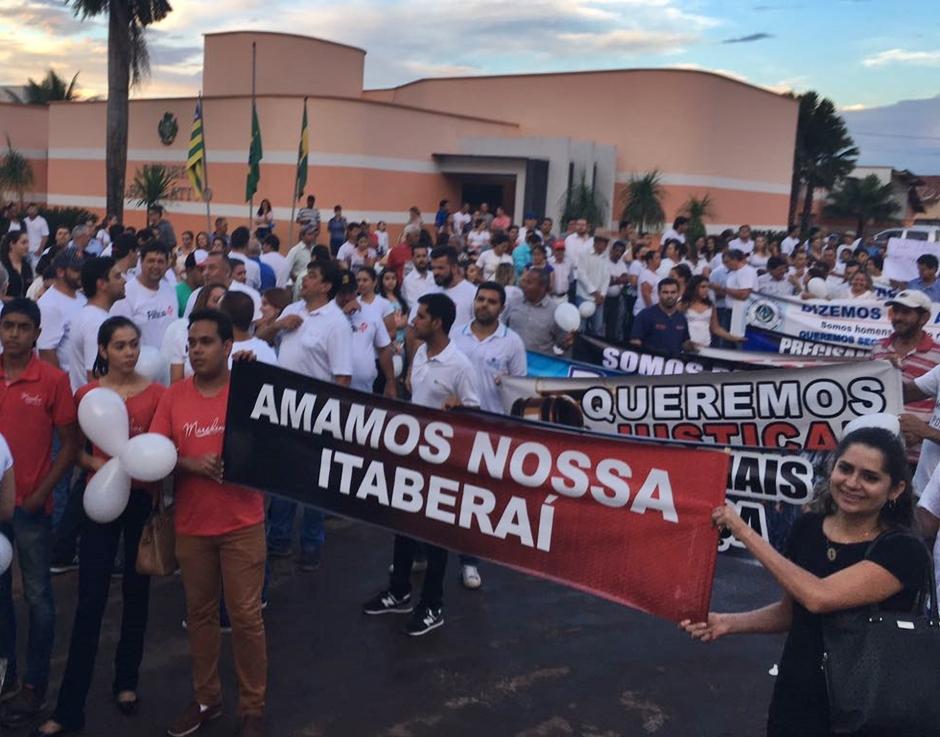 Moradores de Itaberaí fazem manifestação por mais segurança