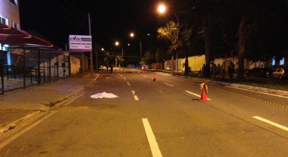 Mulher morre atropelada na Avenida Leste Oeste, em Goiânia