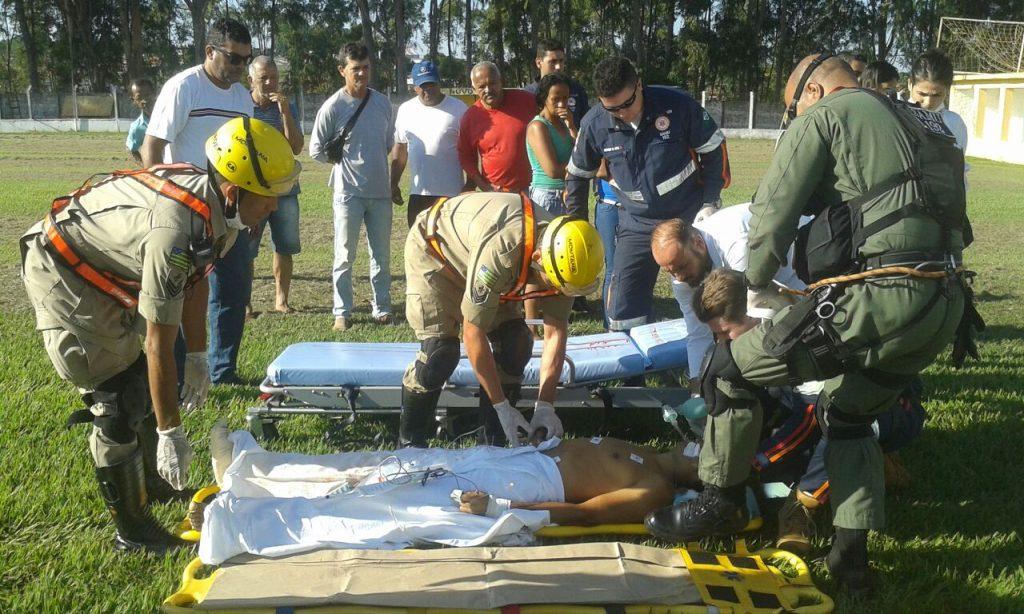 Vítima de atropelamento em Ipameri é levada ao HUGO pelo Corpo de Bombeiros
