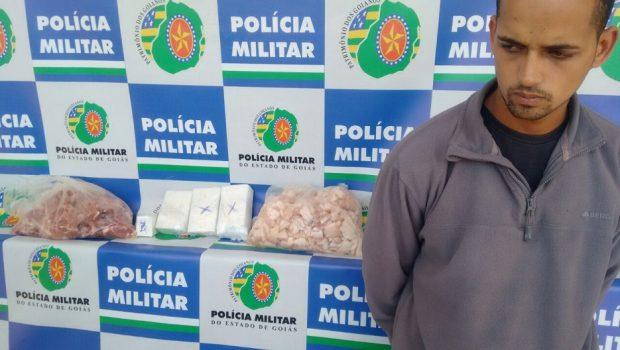 Polícia encontra droga dentro de pacotes de carne em ônibus