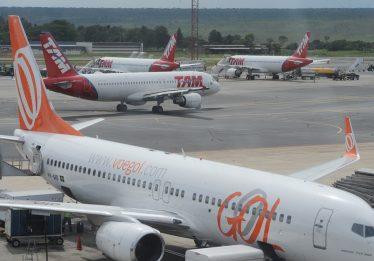 Aeroportos de São Paulo ficam sem operar por mais de uma hora