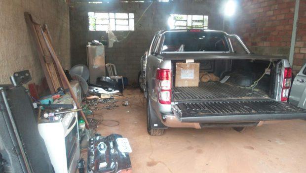 Trio é preso em Goiânia por suspeita de envolvimento com esquema de desmanche de veículos