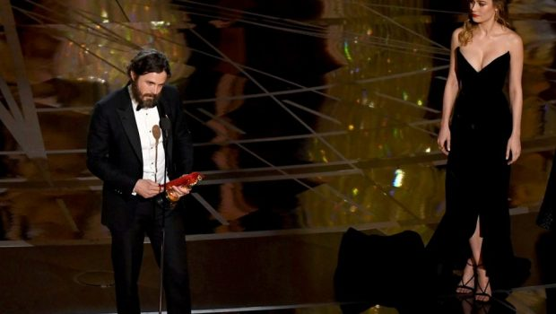 Brie Larson fala sobre não aplaudir Casey Affleck na cerimônia do Oscar 2017