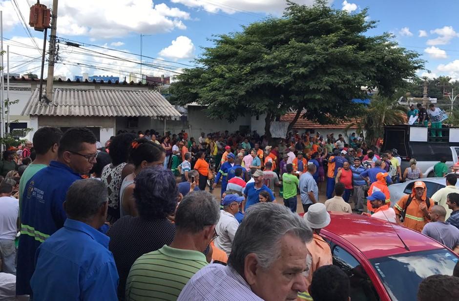 Servidores da Comurg fazem protesto contra a revisão do quinquênio