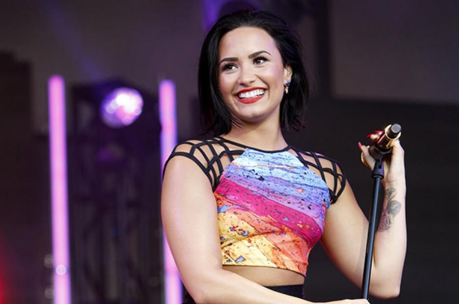 Demi Lovato: pausa na carreira acabou! DJs Cheat Codes tocam música com participação da cantora