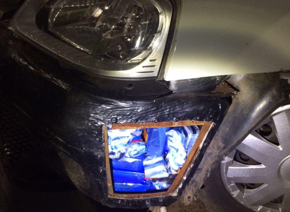 """Condutor é preso em Perolândia com receptores """"Sky Gato"""" escondidos no veículo"""