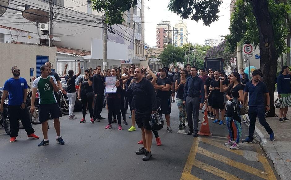 Professores de Educação Física protestam contra exigência de bacharelado para trabalhar em academias