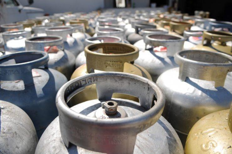 Petrobras anuncia alta de 9,8% no preço do gás de cozinha