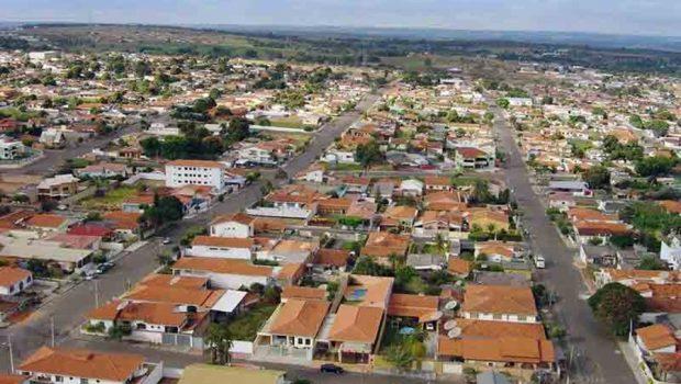 Mineiros, a cidade que parou com o frigorífico
