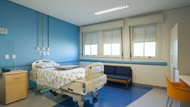 Hospitais não podem cobrar usuários de planos por comodidades em caso de omissão contratual