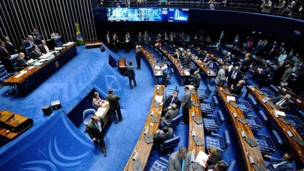 Senadores sofrem pressão nas redes sociais para votar fim do foro privilegiado