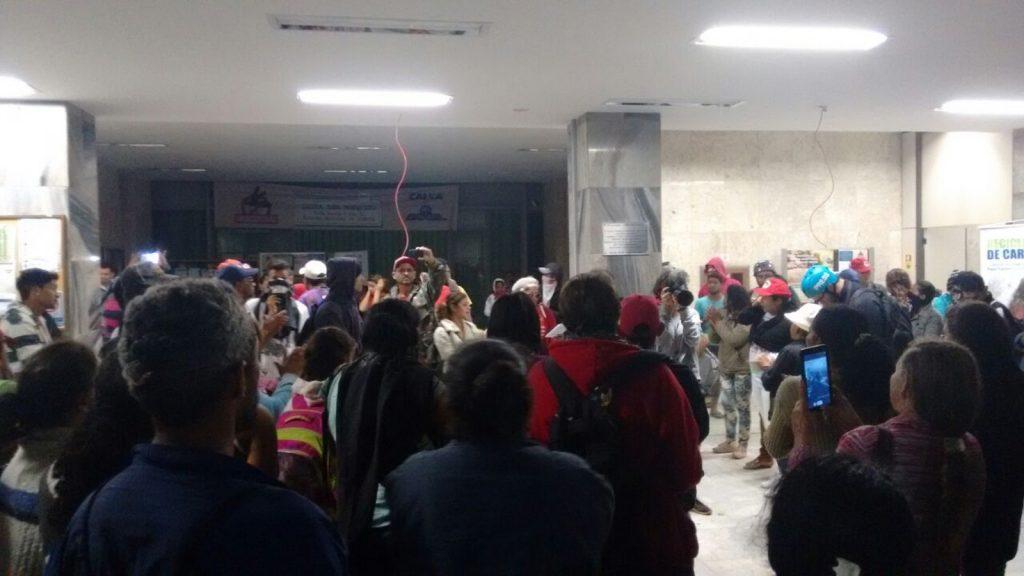 Manifestantes invadem sede da Fazenda em protesto contra Reforma da Previdência