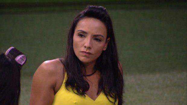 """Marinalva discute com Emilly na casa mexicana: """"não quero uma coleira"""""""