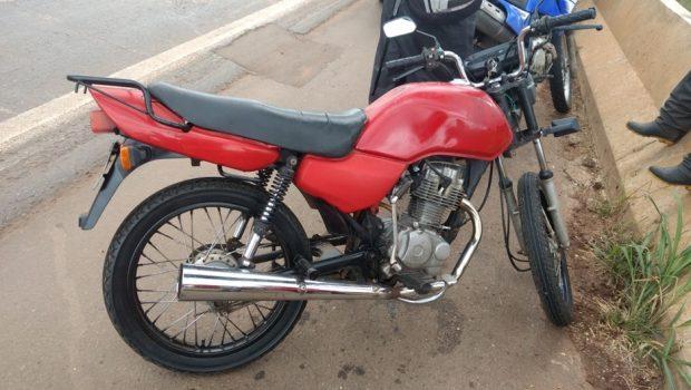 Moto com 51 infrações é apreendida na BR 060