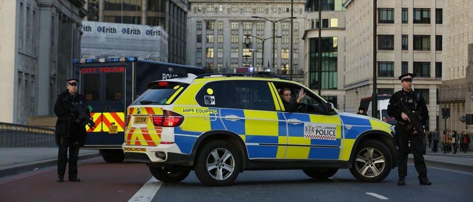 Duas pessoas são presas por suspeita de envolvimento com atentado em Londres