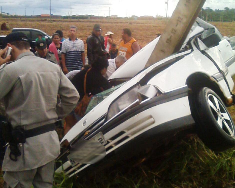 Acidente deixa ao menos uma pessoa morta na GO-070, em Goianira