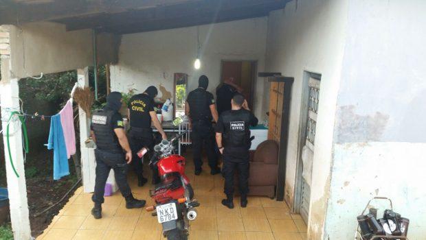 Polícia cumpre mandados contra quadrilha especializada em roubo de veículos, em Goiânia