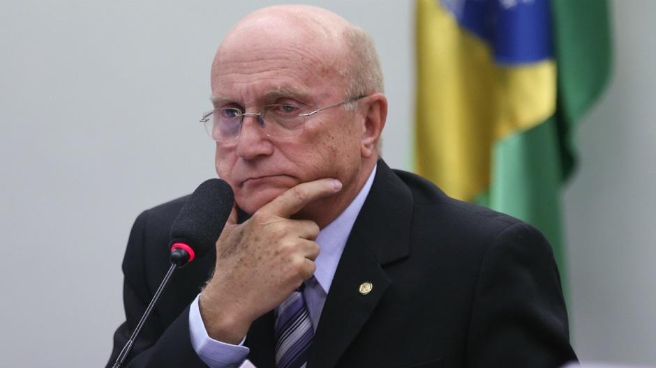 Planalto minimiza grampo que flagrou ministro da Justiça