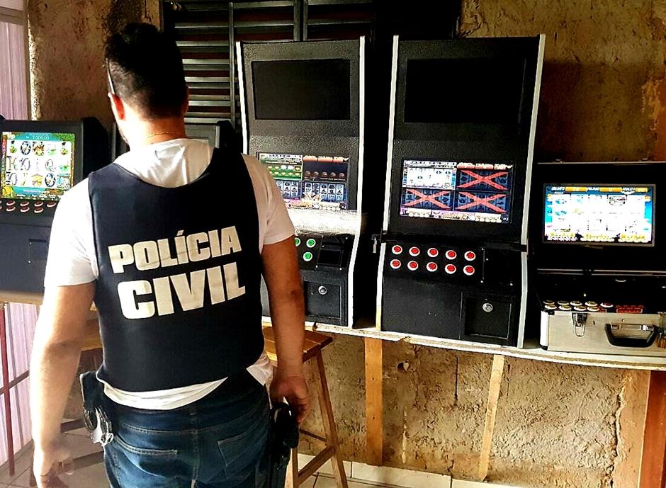 Dez maquinas caça-níqueis são apreendidas em Valparaíso