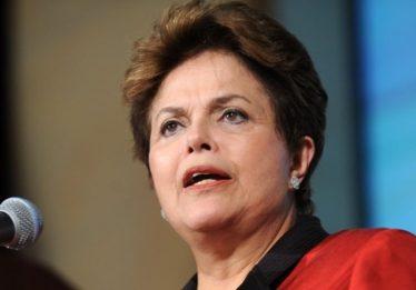 Dilma: 'Golpe' deixou País nas mãos do único presidente denunciado por corrupção