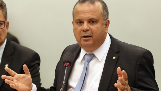 Reforma trabalhista trará mudanças em 100 pontos da CLT, diz relator