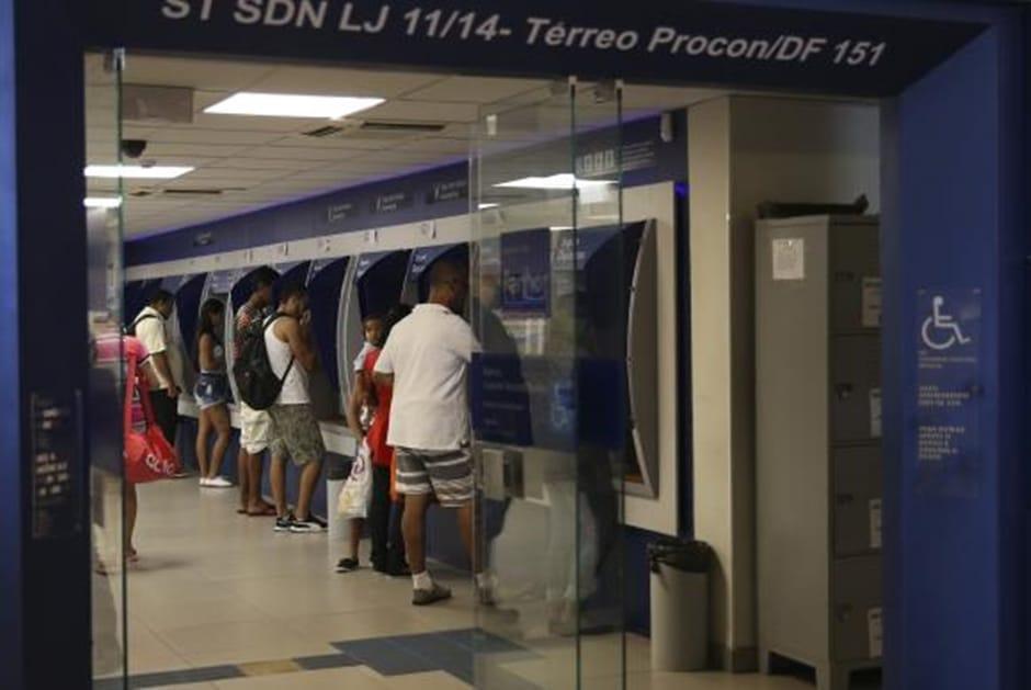 Agências da Caixa abrirão mais cedo na quinta-feira para saque do FGTS