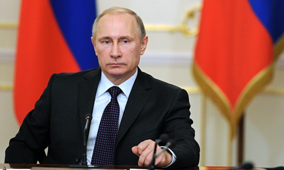 """Putin diz que EUA agiram sob """"pretexto exagerado"""""""