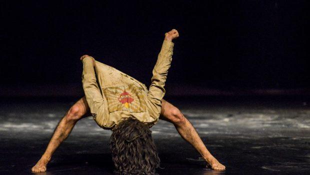 Espetáculo de dança contemporânea O Crivo é apresentado no Sesc